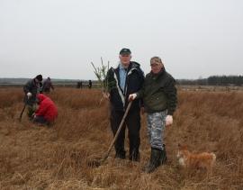 Akcja sadzenia drzew na zbiornikach